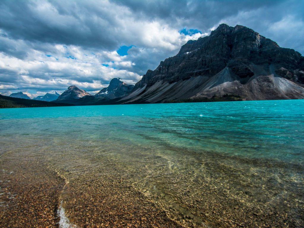 canada lago lake water sky mountain turchese limpido acqua montagne