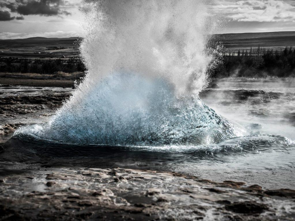 geyser geysir islanda iceland acqua water nature explosion